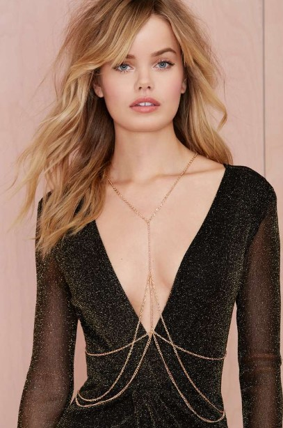nastygal-body-chain-multi-layered-neck-chain-gold-color-body-chain