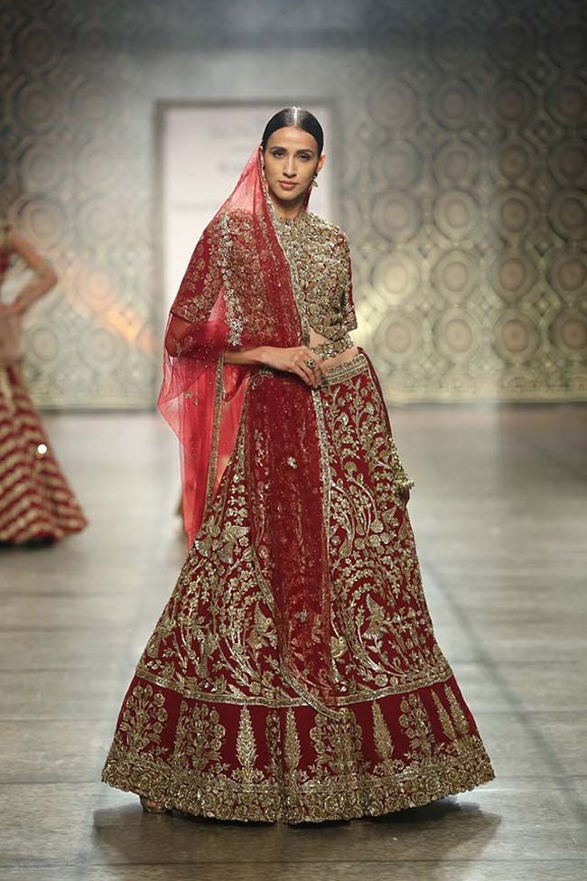 rimple-harpreet-narula-couture-collection-winter-2016-collection-red-heavy-worked-sequin-lehenga-sheer-dupatta- (9)