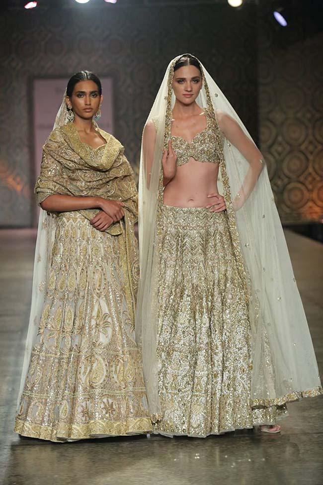 rimple-harpreet-narula-couture-winter-2016-collection-gold-sequin-lehenga-sheer-dupatta-draped- (5)