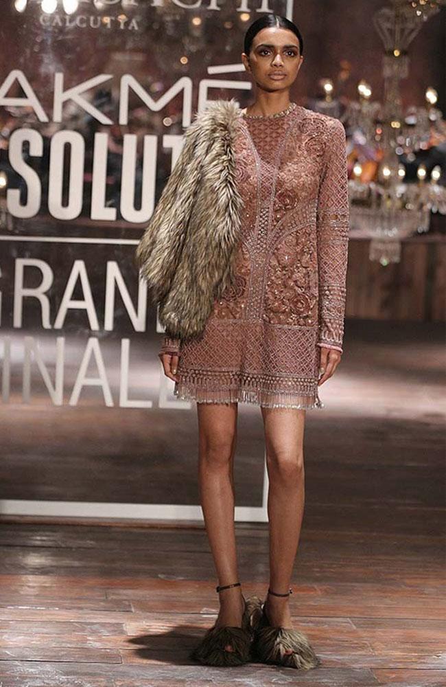 sabyasachi-pink-dress-fur-shows-Lakme-fashion-week-Winter-Festive-2016