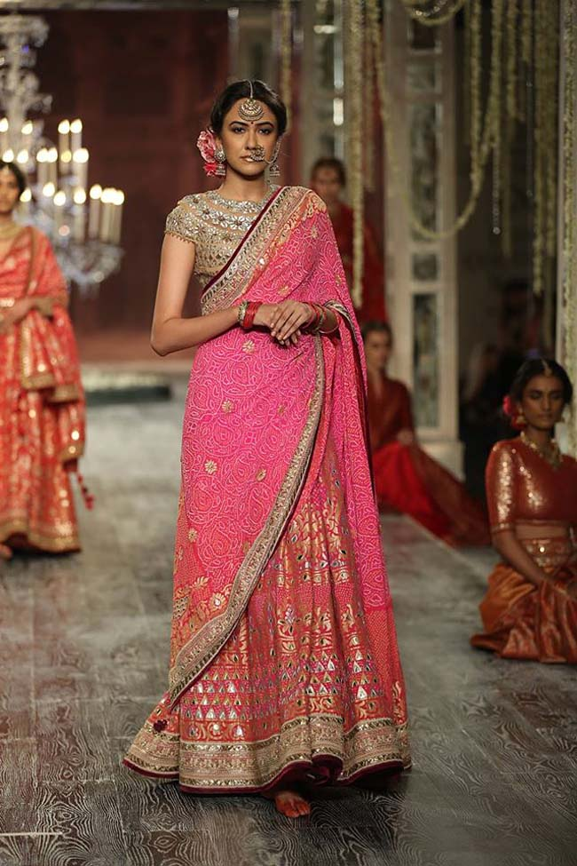 tarun-tahiliani-couture-collection-icw-2016-dresses (15)-pink-saree-lehenga