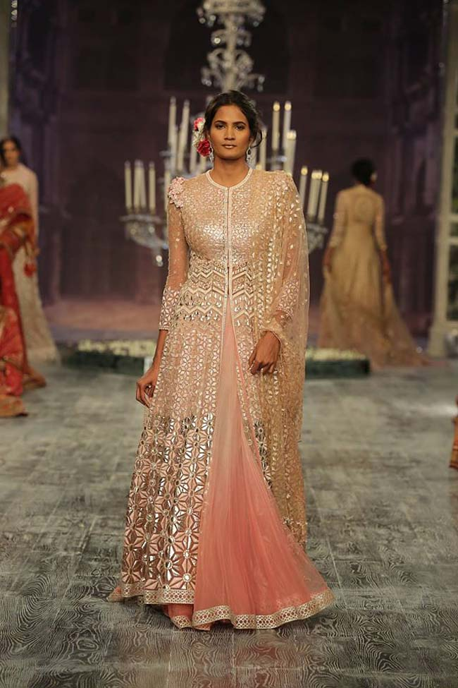 tarun-tahiliani-couture-collection-icw-2016-dresses (5)-silver-pink-jacket-lehenga