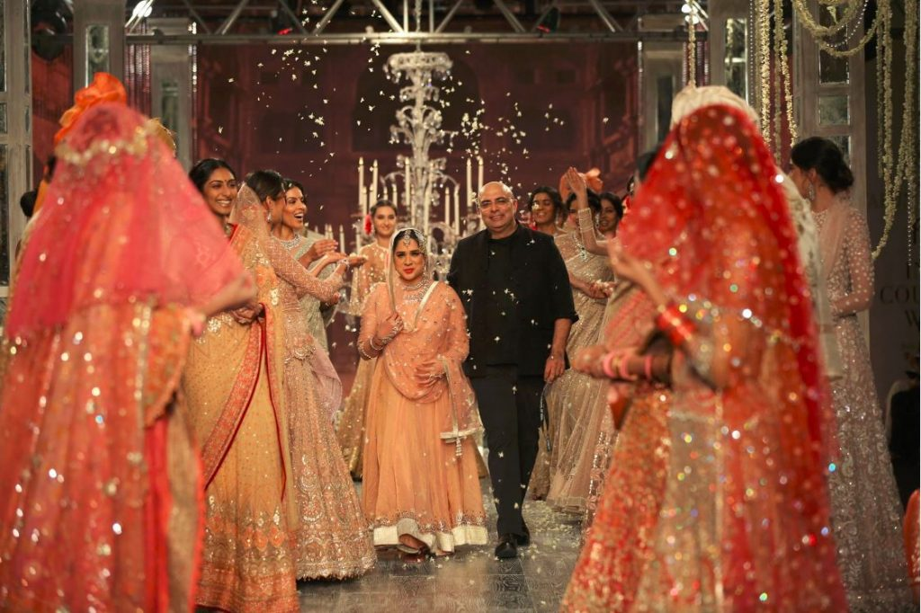tarun-tahiliani-couture-collection-icw-2016-dresses-top-indian-designer