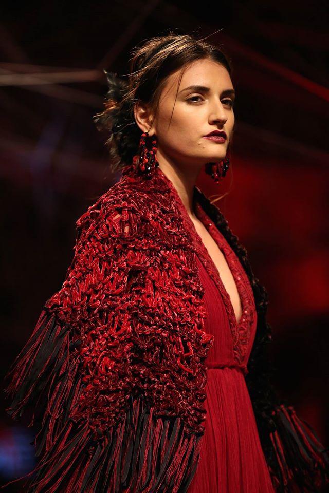 tarun-tahiliani-lakme-fashion-week-winter-festive-2016-collection-maroon-red-dress