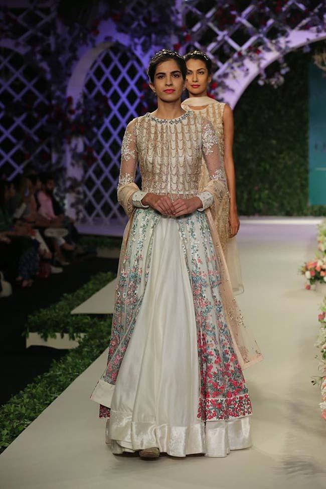 varun-bahl-India-Couture-Week-2016-designer-collection-floral-slit-top-long-skirt- (4)