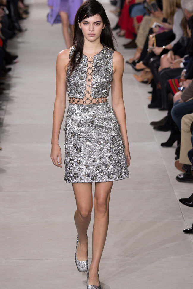 Michael-kors-ready-to-wear-2016-collection-kendell-jenner-metallic-dress-runway