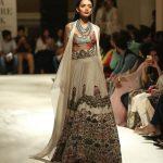 anamika-khanna-india-couture-fashion-week-embroidered-choli-icw-2016