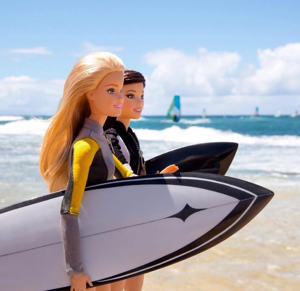 barbie-fashion-surfing-doll-pics-images-style-barbiestyle-instagram