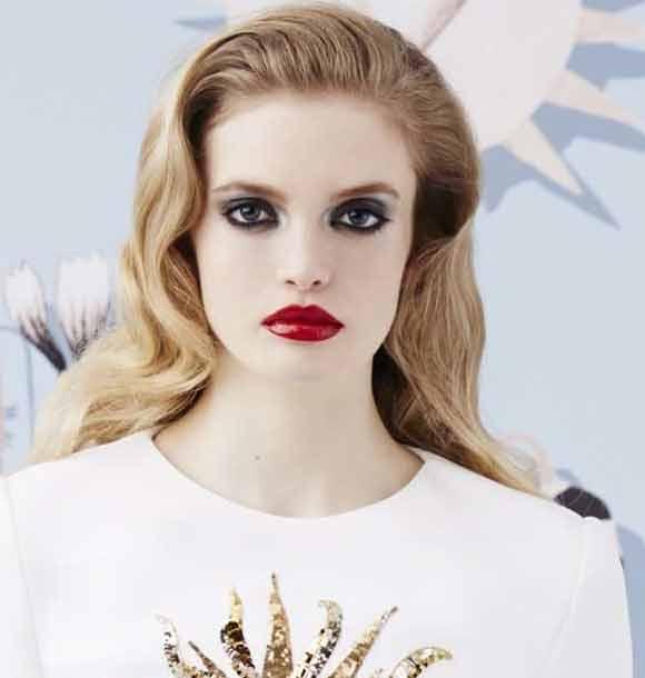 best-makeup-trend-fw16-no-conturing-schiaparelli-fall-2016
