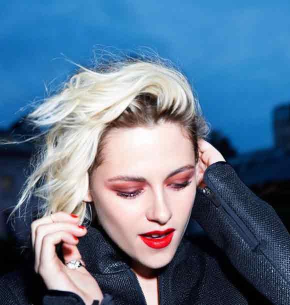 best-makeup-trend-fw16-red-lipstick-bold-color-chanel-kristen-stewart-fall-2016