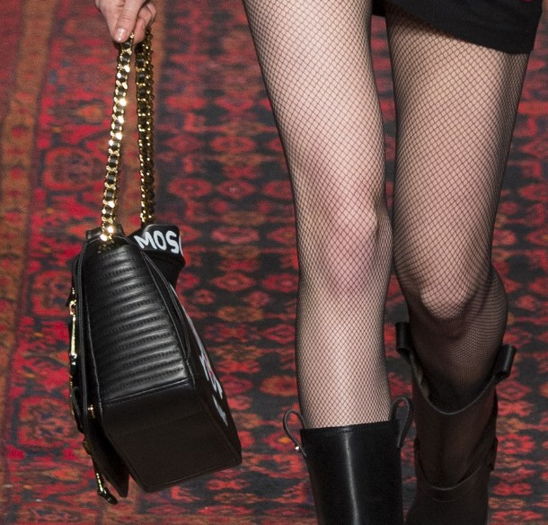 best-trendy-handbag-structured-fall-2016-rtw-moschino-black-color