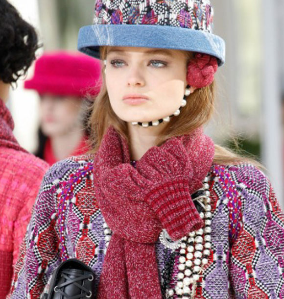 chanel-fashion-show-fall-2016-nude-lips-lipstick-latest-makeup-trend