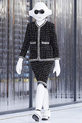 chanel-spring-summer-2017-ready-to-wear-collection-ss17-rtw-1-robot