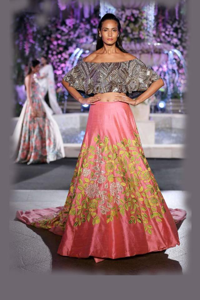 designer-manish--malhotra-bling-off-shoulder-with-embroiderd-choli-lakme-fashion-week-2016