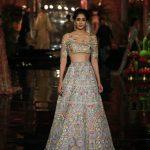 designer-manish-malhotra-white-choli-persian-story-india-couture-week-2016