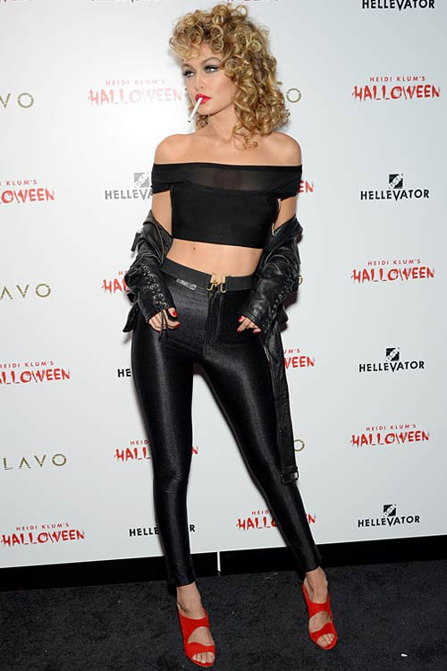 how-to-wear-off-shoulder-crop-top-gigi-hadid-black-80s-outfit