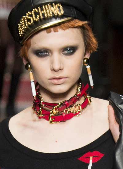 jewelry-trends-fall-2016-moschino-rtw-choker
