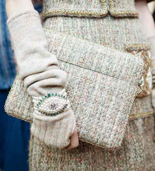 latest-chanel-large-clutch-fall-handbag-trends-winter-2016-2017