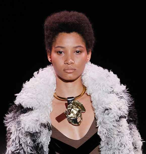 latest-eye-makeup-trend-tom-ford-no-conturing-fall-winter-2016-2017