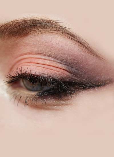 latest-eye-shadow-makeup-ideas-givenchy-smokey-eyes-accent-color