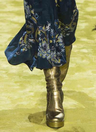 latest-shoe-trends-fall-winter-2016-2017-womens-shoes-metallic-robert-cavalli