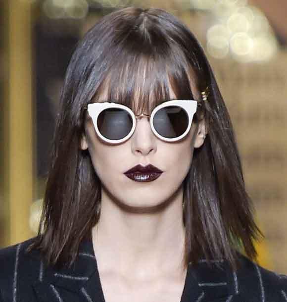 max-mara-latest-makeup-trend-black-lips-lip-stick-trends-fall-winter-2016-2017