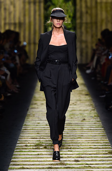 max-mara-ss17-collection-spring-summer-2017-dress-13full-sleeved-jacket-black-belt