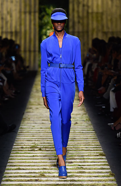 max-mara-ss17-collection-spring-summer-2017-dress-22-blue-dress-matchy-cap-shoes