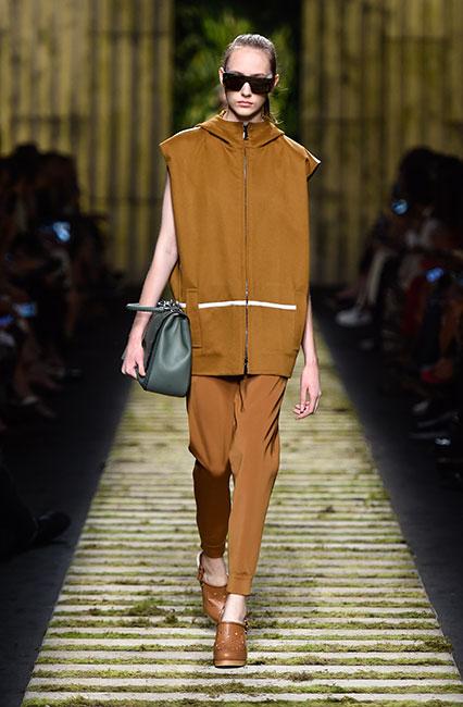 max-mara-ss17-collection-spring-summer-2017-dress-26-dress-matchy-shoes-handbag
