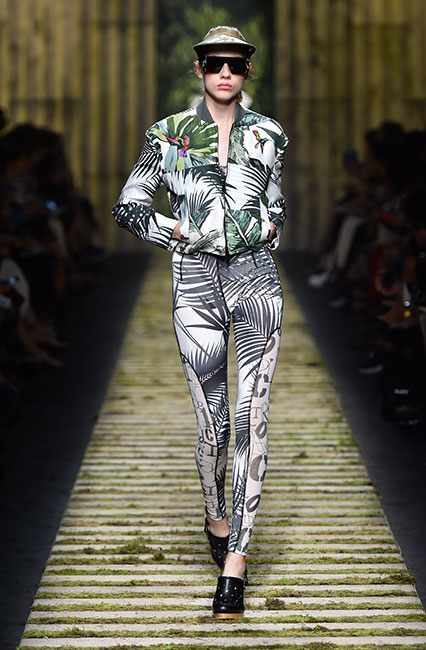max-mara-ss17-collection-spring-summer-2017-dress-3-cap-tropical-print-leggings-jacket