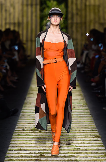 max-mara-ss17-collection-spring-summer-2017-dress-33-orange-belt-block-print-jacket-cap-matchy-shoes