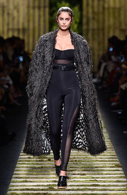 max-mara-ss17-collection-spring-summer-2017-dress-35-taylor-hill-sheer-top-long-fur-jacket