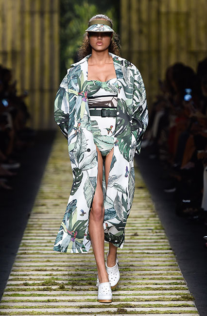 max-mara-ss17-collection-spring-summer-2017-dress-6-tropical-print-swimsuit-long-jacket-black-belt