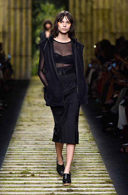 max-mara-ss17-collection-spring-summer-2017-dress-8-black-sheer-top-jacket-full-sleeves