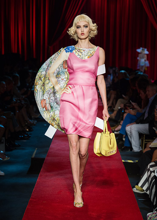 moschino-spring-summer-2017-ss17-collection-17-pink-dress-hairstyle