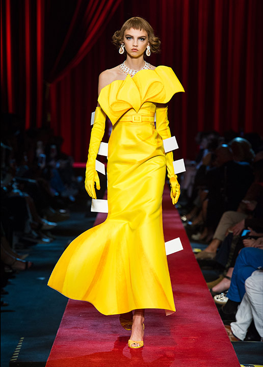 moschino-spring-summer-2017-ss17-collection-56-yellow-dress