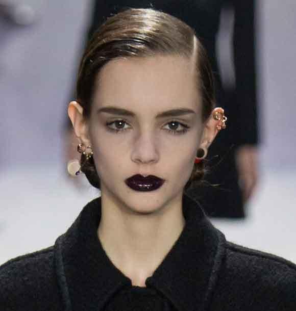top-makeup-trend-black-lips-lipstick-winter-fall-2016-christian-dior