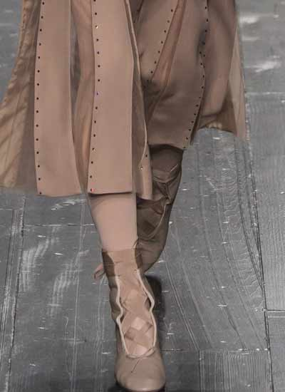 top-womens-shoe-trends-fall-2016-shoes-nudes-valentino-ready-to-wear