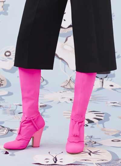 top-womens-shoe-trends-fall-winter-2016-2017knee-high-boots-schiaparelli