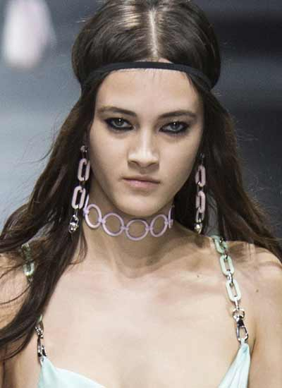 versace-rtw-choker-jewelry-trends-rtw-fall-2016