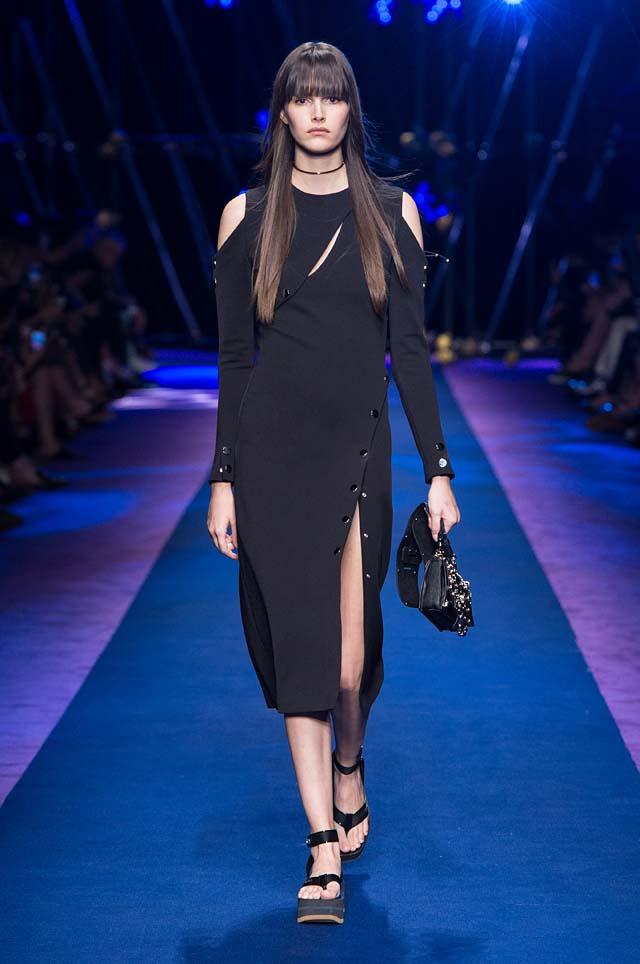 versace-ss17-spring-summer-2017-collection-dress-16-black-top-pants-handbag