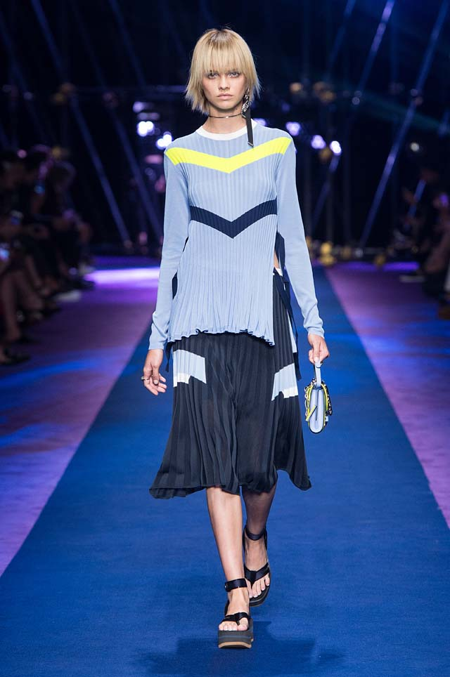 versace-ss17-spring-summer-2017-collection-dress-24-slit-top-blue-skirt