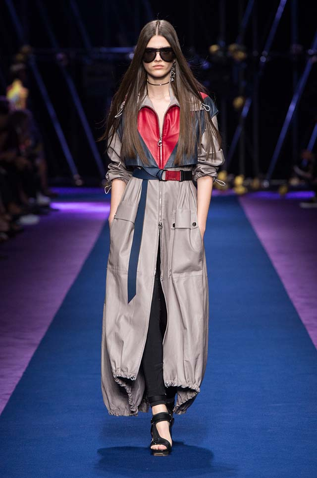 versace-ss17-spring-summer-2017-collection-dress-27-long-jacket-zipped-belt