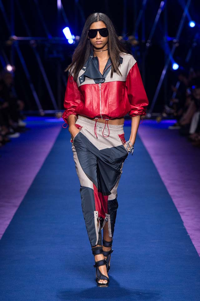 versace-ss17-spring-summer-2017-collection-dress-28-red-grey-zipped-top-pants