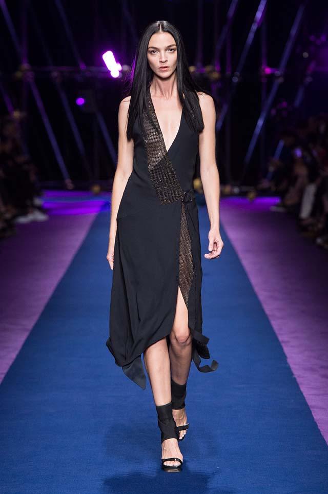 versace-ss17-spring-summer-2017-collection-dress-47-black-slit-long