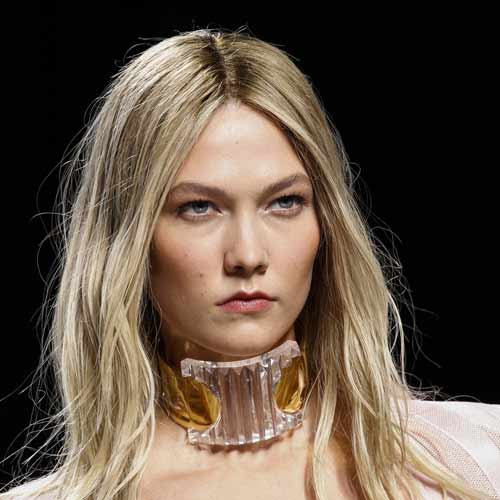 balmain-rtw-fall-hairstyles-2016-centre-parted