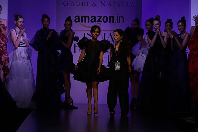 gauri-nainika-latest-fashion-show-amazon-india-week-2017-11