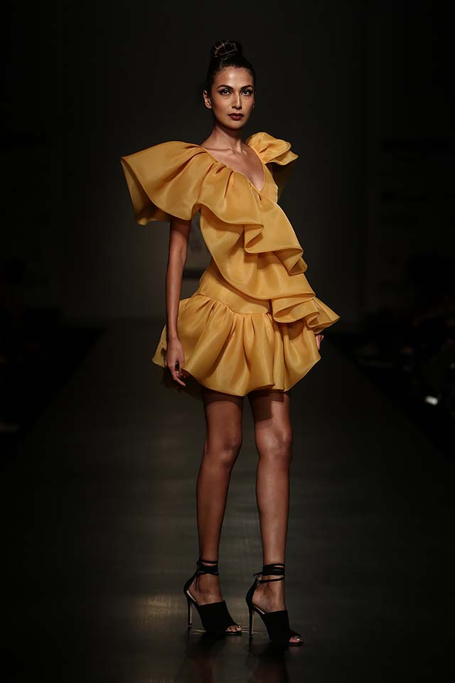 gauri-nainika-latest-fashion-show-amazon-india-week-2017-5-ruffle-dress-black-shoes-mustard-color