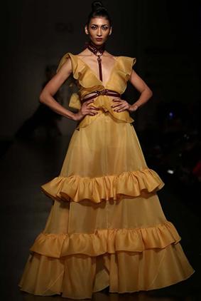 gauri-nainika-latest-fashion-show-amazon-india-week-2017-7-mustard-long-gown-ruffles