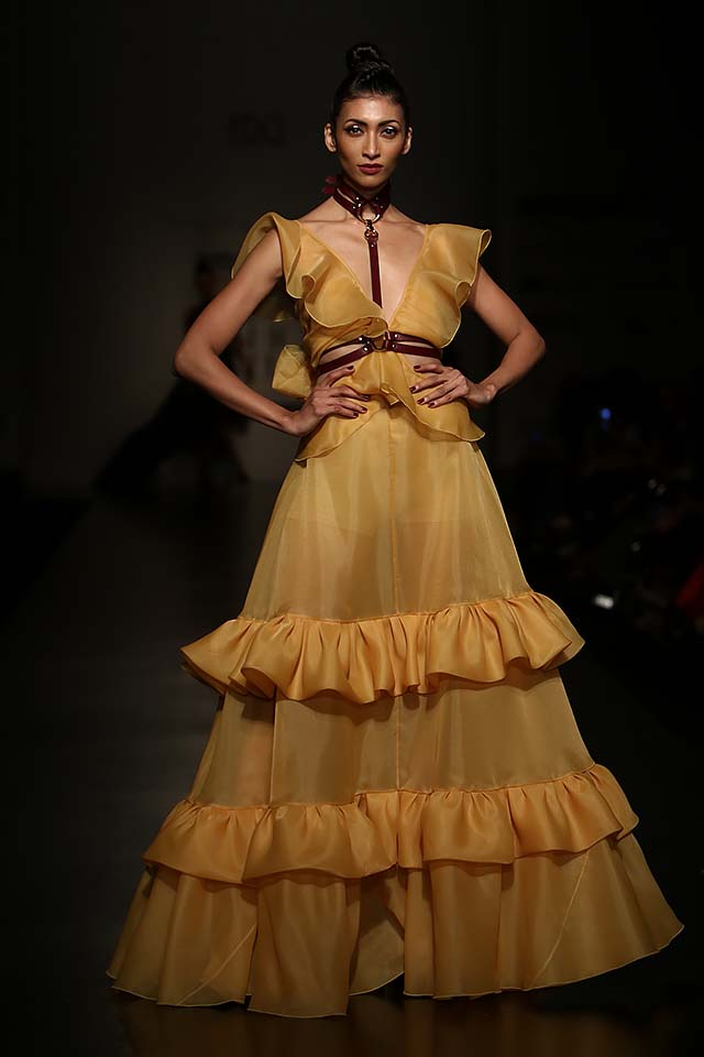 gauri-nainika-latest-fashion-show-amazon-india-week-2017-7-mustard-long-gown-ruffles
